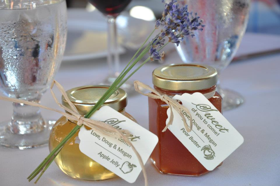 Gift For Guests At Wedding: Wedding Favor Inspiration